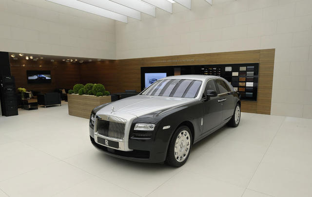 rolls-royce-two-tone-ghost-3