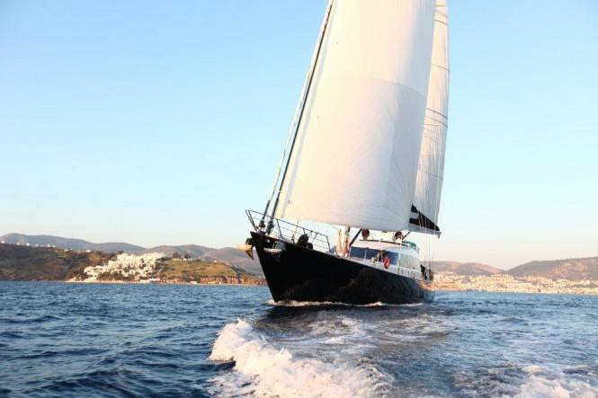 36m-luxury-sailing-yacht-Glorious-by-Esenyacht-665x443