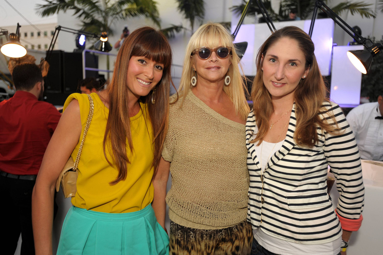 Cristy Villoldo, Mirta Garcia, Valerie Greco