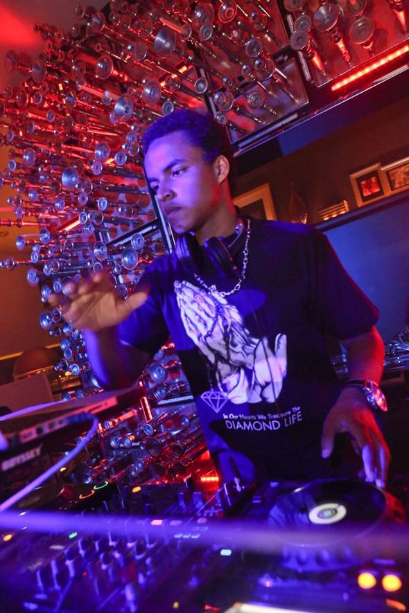 DJ Connor Cruise spinning at Hyde Bellagio, Las Vegas 4.20.12 (2)