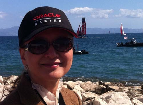 Sun came out on Day 2, I get to wear my Oracle cap and sun glasses.