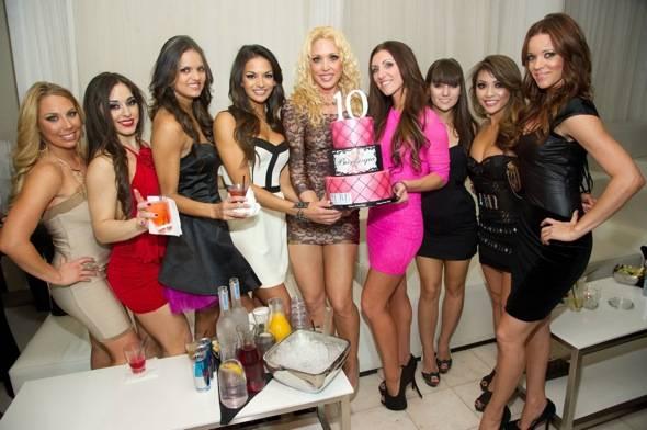 X-Burlesque_PURE Nightclub_Cake_4.24.12