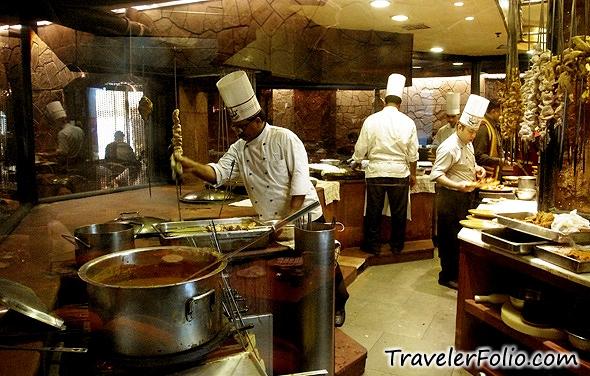 bukhara-indian-restaurant-kitchen-itc-maurya-new-delhi1