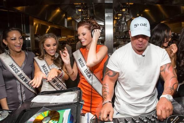 2011 Miss USA Alyssa Campanella, Steve Martorano and 2012 MISS U