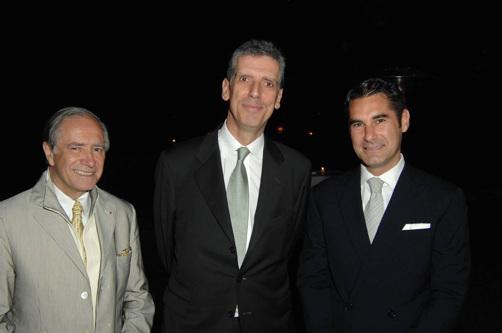 Christopher Kip Forbes, Henri Loyrette, Hugues de Pins