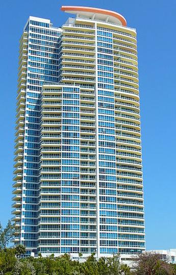 Continuum_Tower_South_Beach1