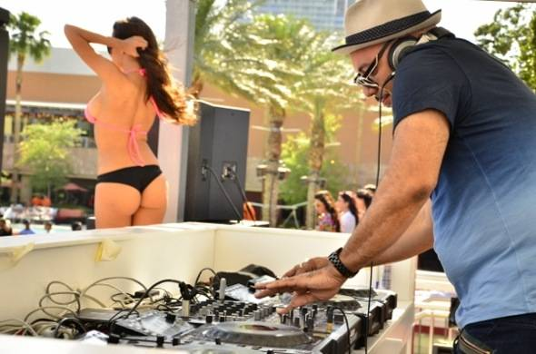 DJ Roger Sanchez at Palms Pool & Bungalows 5.25.12