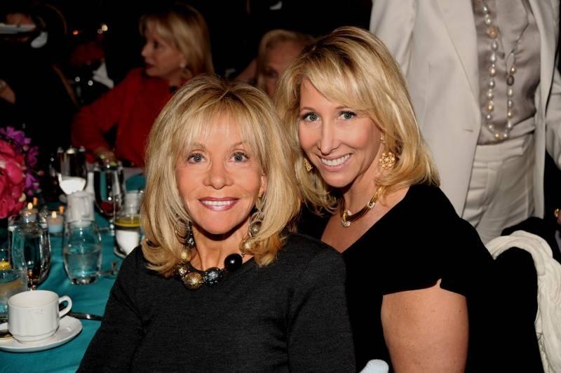 Brenda Axelrod, Lisa Konsker