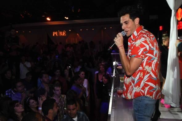 Gabe Saporta_Performance_PURE Nightclub 2