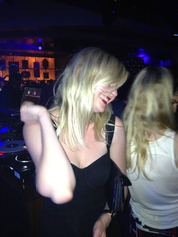 Kirsten Dunst Dancing at Hyde Bellagio, Las Vegas, 5.18 - low