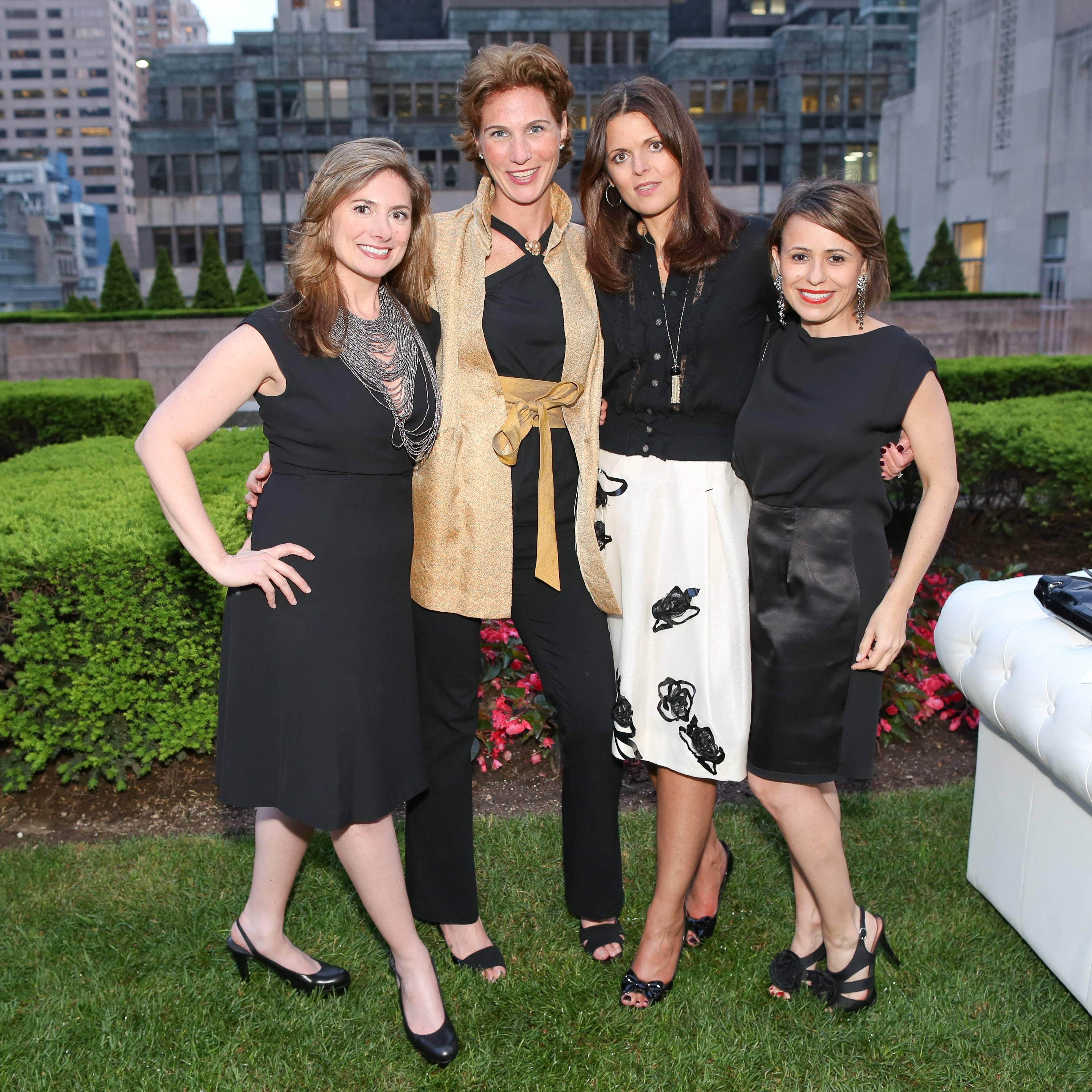 MV4C4282 Gwen Harper, Jennifer Sprague, Zoe Kimber, Gwen Thayer