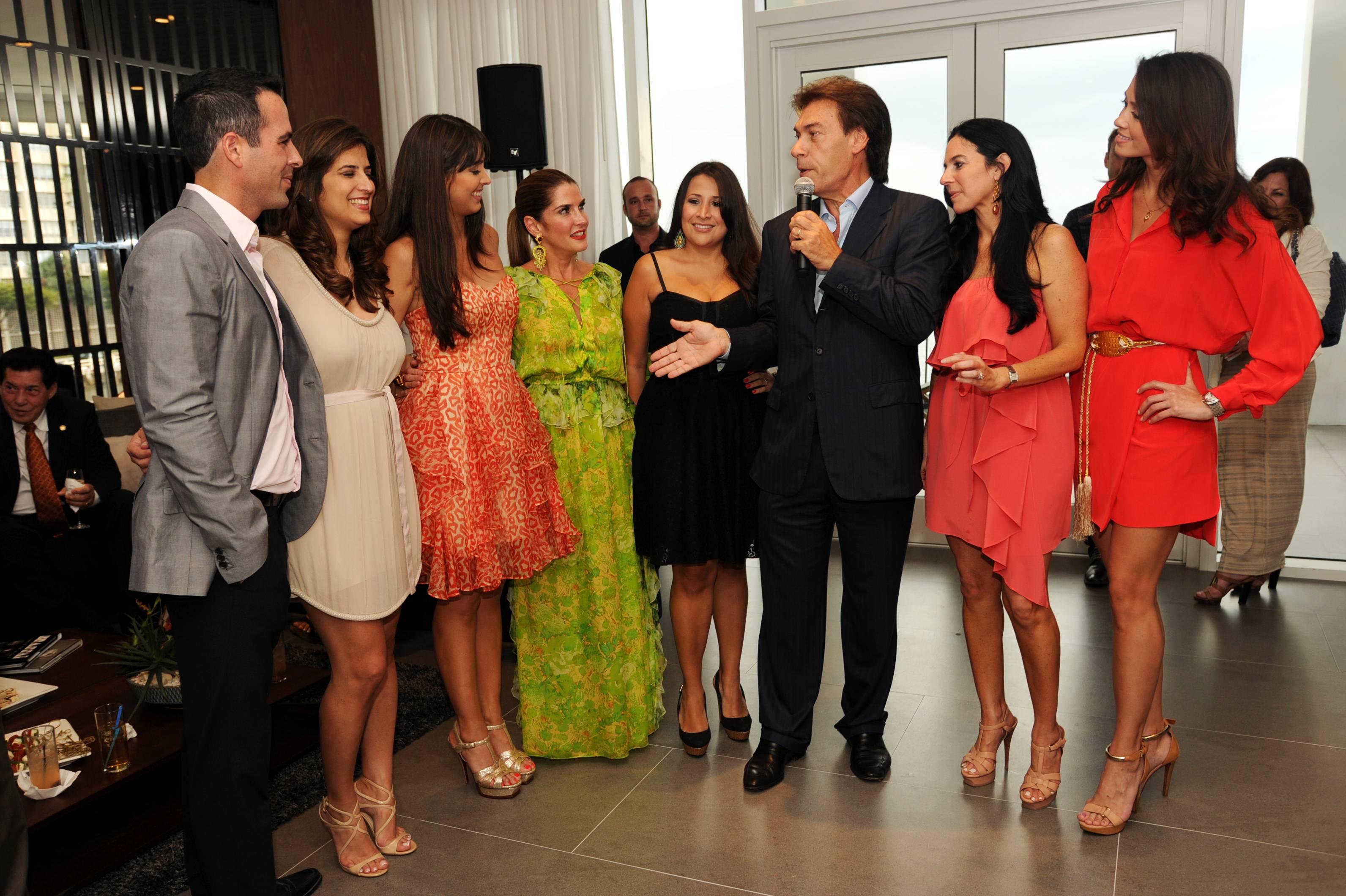 RafaelGonzalez,Yanet De Castro,AlejandraCastillo,IsabellaHolguin,ElizabethGarcia,EdgardoDefortuna,CatalinaMartucci and Annie de la