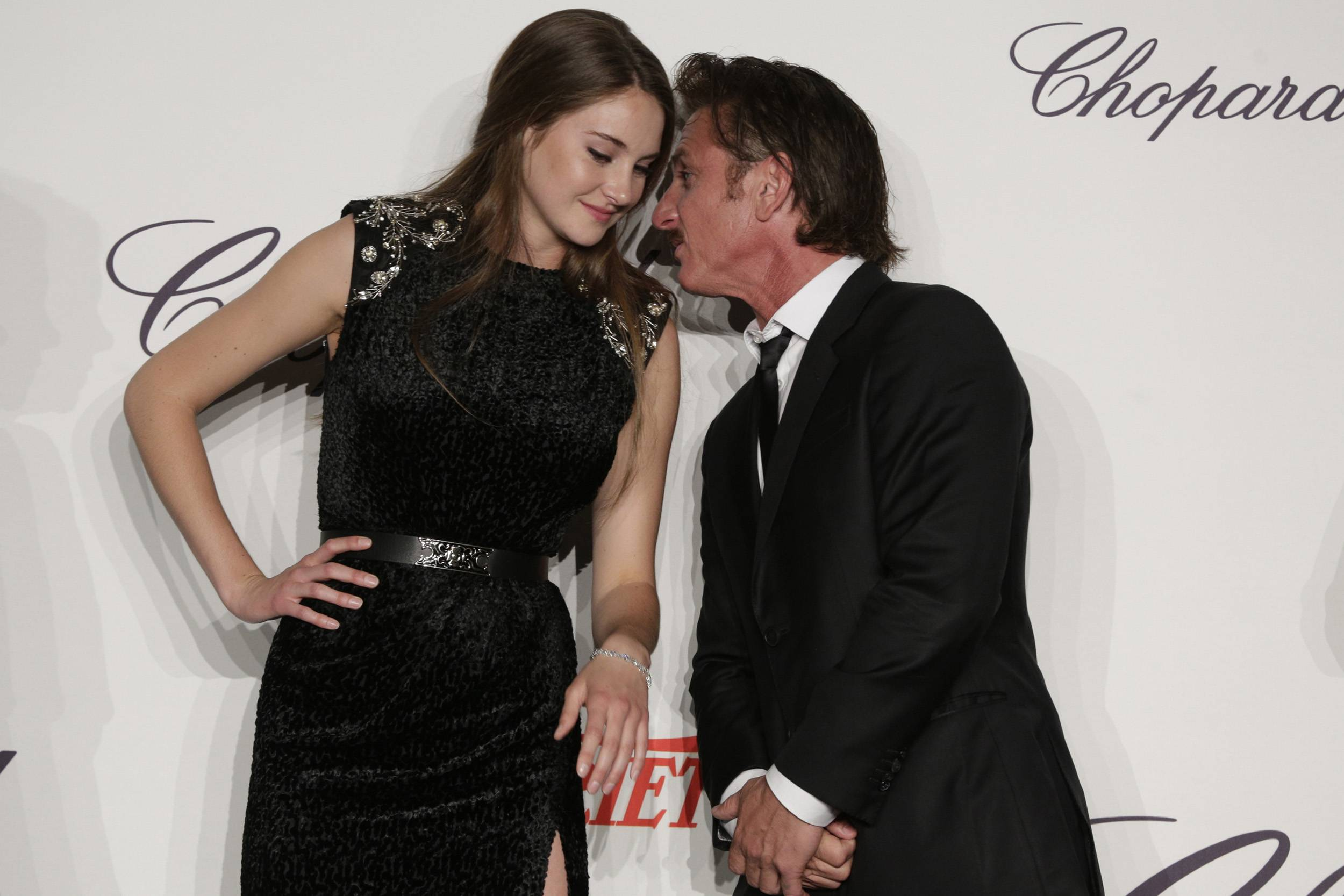 Shailene_Woodley_and_Sean_Penn_02