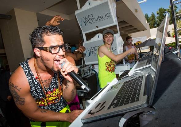 Sky Blu_Performing_WET REPUBLIC