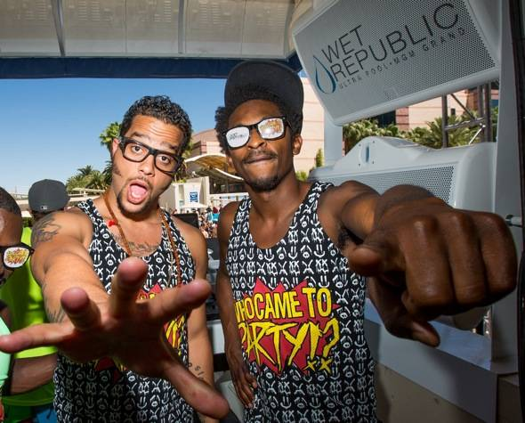 Sky Blu_Shwayze_WET REPUBLIC_DJ Booth