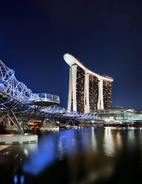 marina-bay-sands-and-helix-bridge-at-night