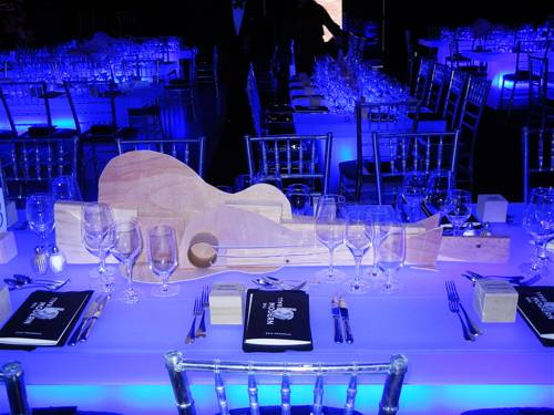 picasso-inspired-guitar-centerpieces-by-stanlee-gatti