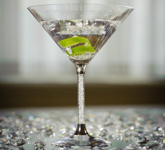the_goring_hotels_diamond_jubilee_cocktail_is_served_in_a_swarowski_crystal_cocktail_glass_t8r5q