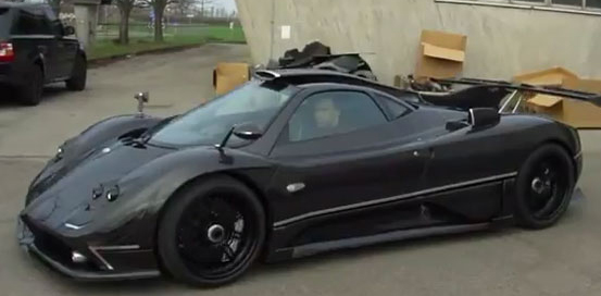 visit-paganis-factory-and-drive-the-zonda-760rs-with-evo-1