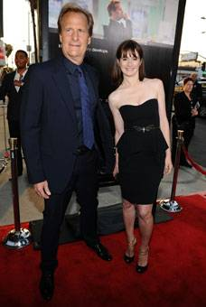 Jeff Daniels and Emily Mortimer