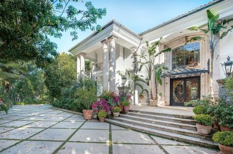 Bijan-Mansion