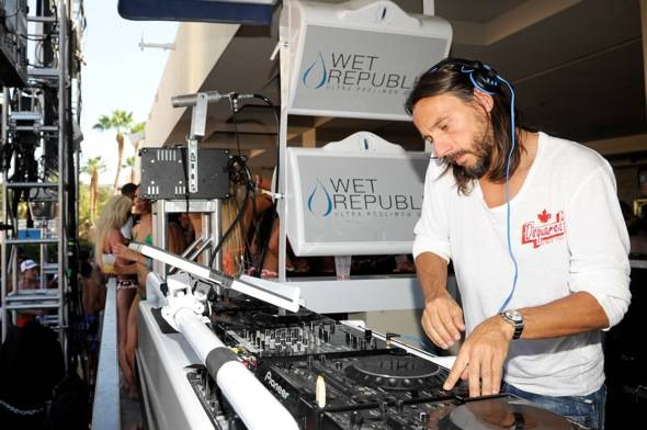 Bob Sinclar_DJ Booth_WET REPUBLIC