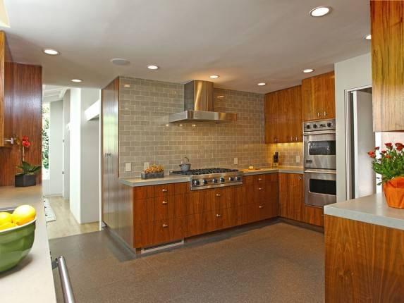 Hall_Kitchen3-573x430