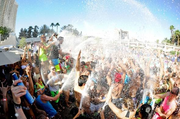 Sky Blu_Champagne Showers_WET REPUBLIC