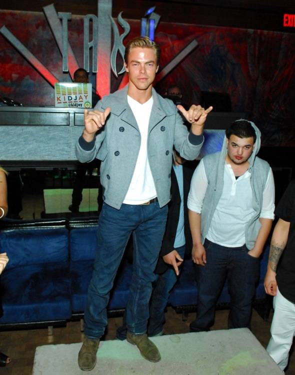Tabú - Derek Hough on Table - 6.2.12