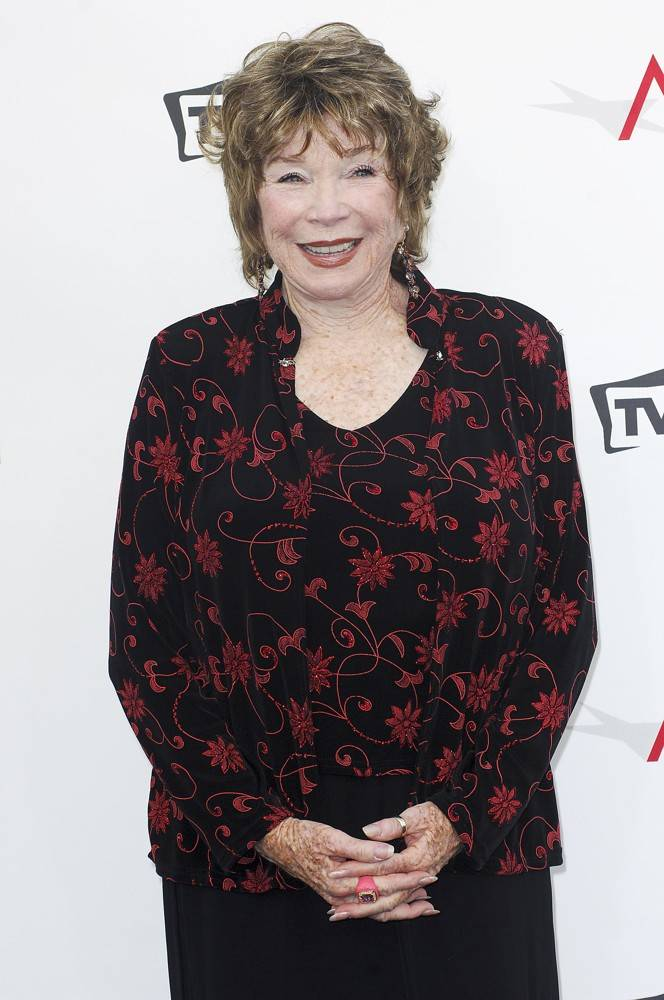 shirley-maclaine-40th-afi-life-achievement-award-01