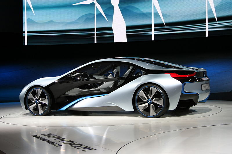 800px-BMW_i8_Concept_IAA_side