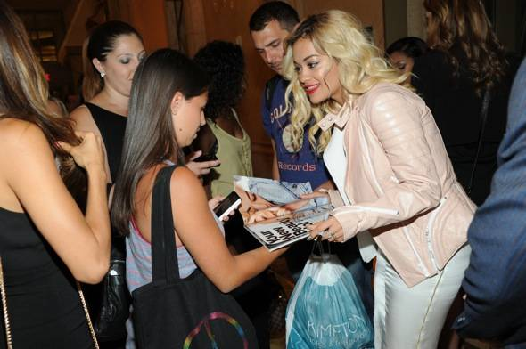 Rita Ora signs autographs for fans at LAVO