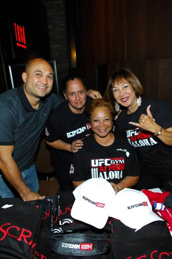 Tabú - BJ Penn with Mother and Aunt - 7.6.12