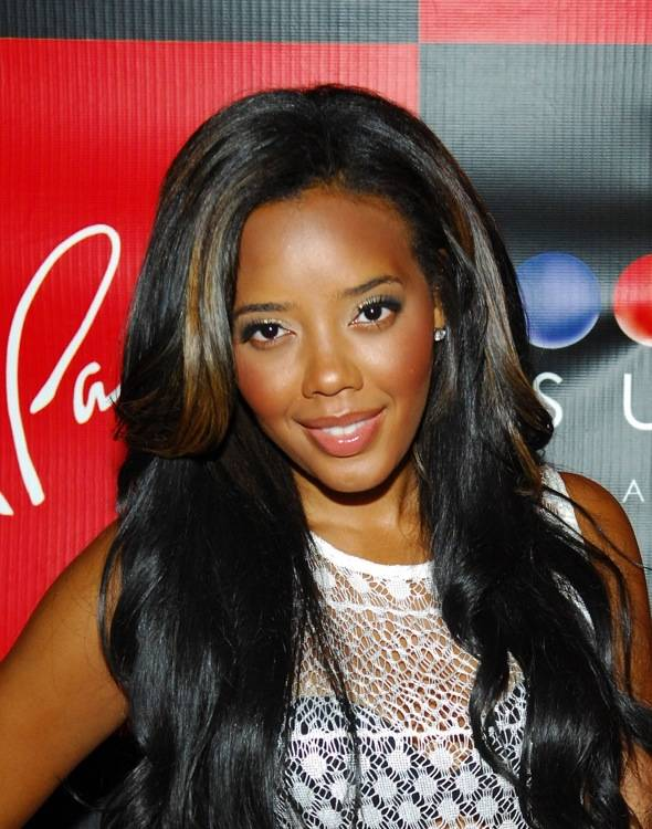 Angela Simmons on red carpet