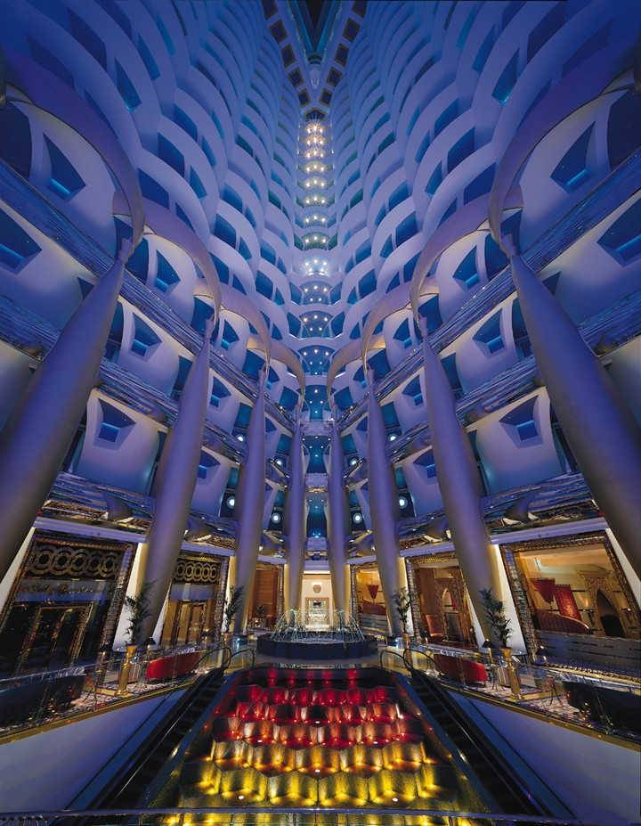 The top 5 hotel lobbies in dubai for Top five star hotels in dubai