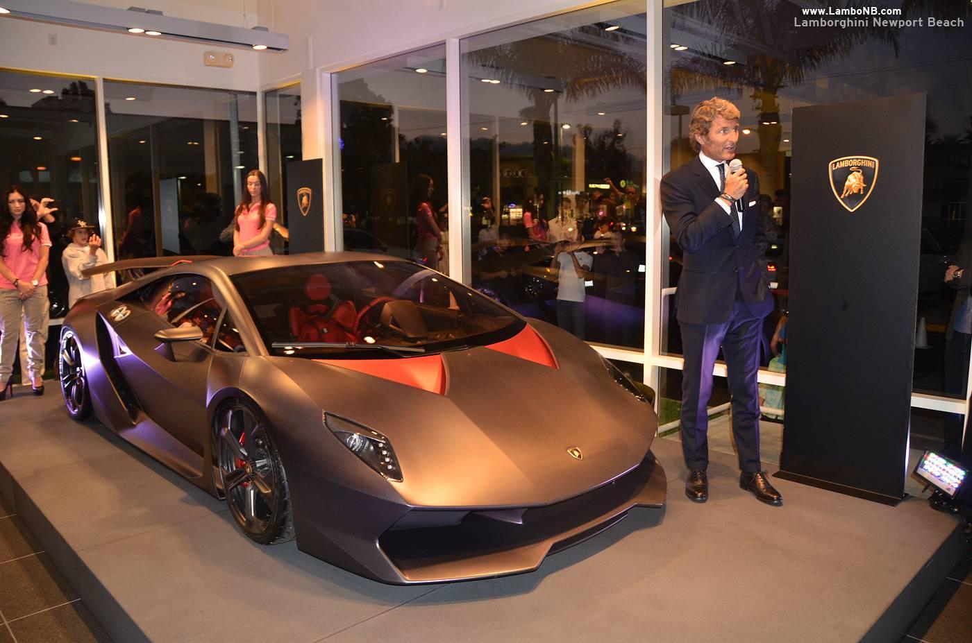 Lamborghini President and CEO Stephan Winkelmann presenting the Sesto Elemento