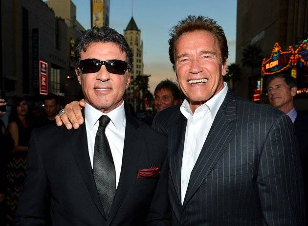 Sylvester-Stallone-and-Arnold-Schwarzenegger-at-the-Los-Angeles-premiere