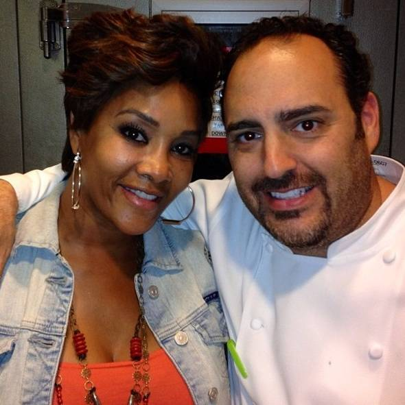 Vivica-A.-Fox-with-Chef-Barry-Dakake-at-N9NE-Steakhouse-in-Palms-Casino-Resort-Las-Vegas-7.30.123