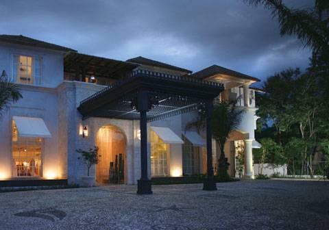 casa-colonial-lobby-lounge