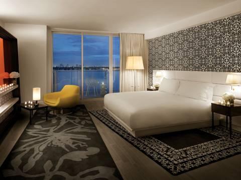 mondrian-bedroom-night-photo
