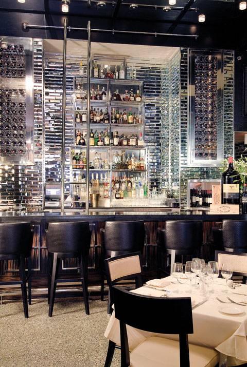 quattro-wine-wall