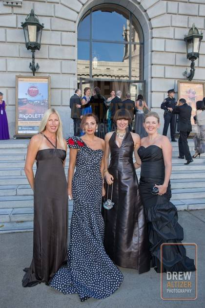 0954-Opera_Ball-120907_wm_download2