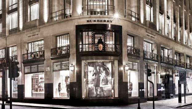 Burberry-flagship-store-Regent-Street-FashionBite-1