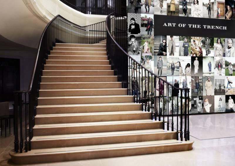 Burberry-flagship-store-Regent-Street-FashionBite-2-800x565