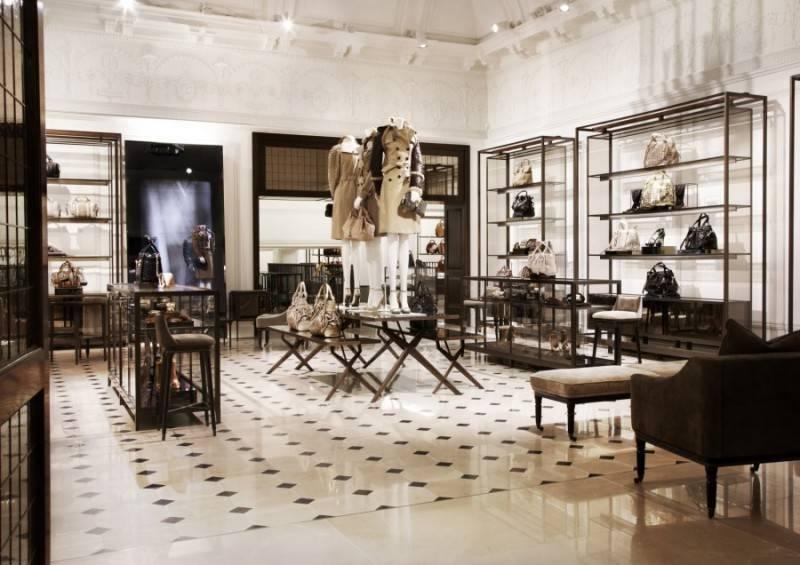 Burberry-flagship-store-Regent-Street-FashionBite-5-800x565