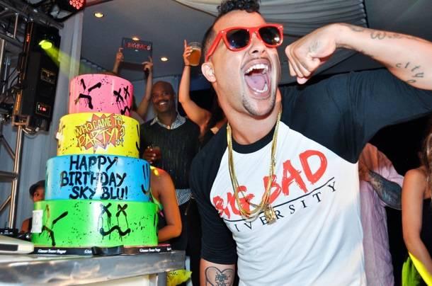 Sky Blu_PURE Nightclub_Bday Cake
