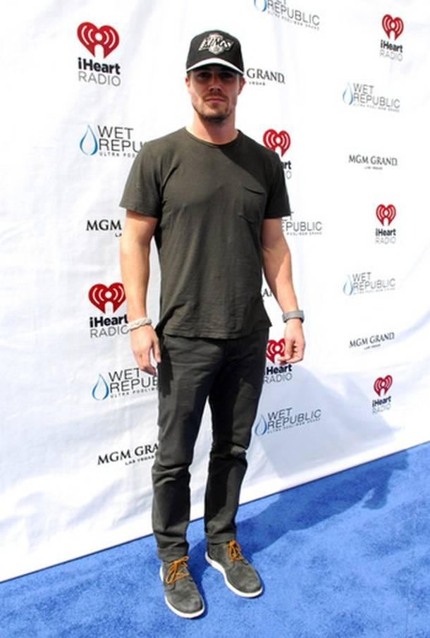 Stephen Amell_WET REPUBLIC_iHeartRadio_Blue Carpet