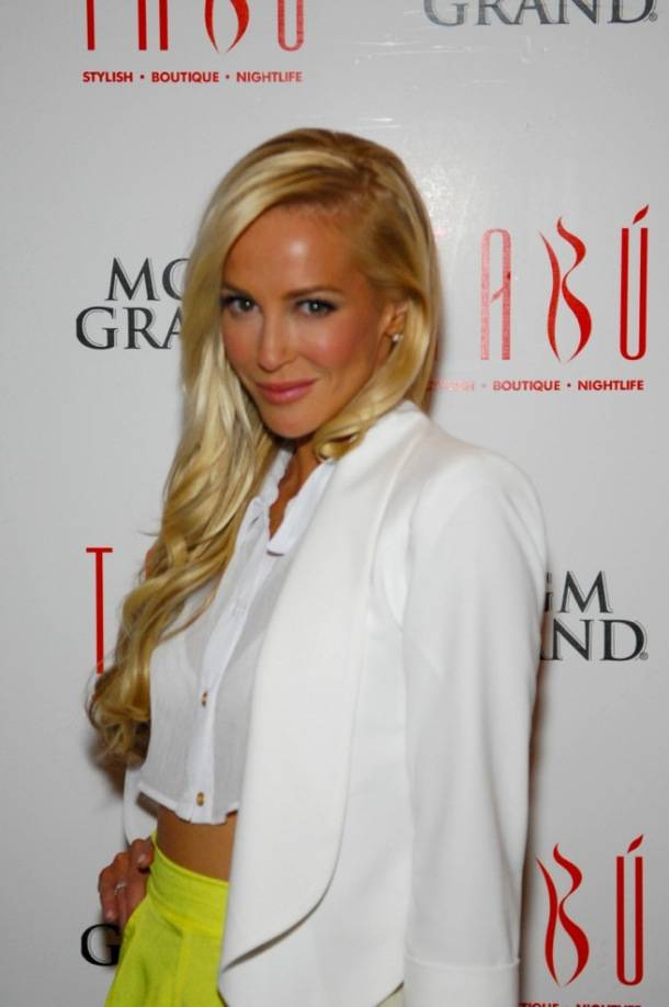 Tabú - Louise Linton on Carpet - 9.8.12