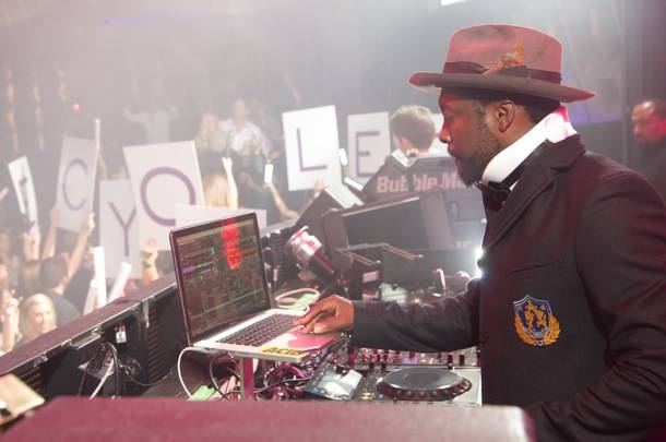 Will.i.am of the Black Eyed Peas performs at Marquee Nightclub