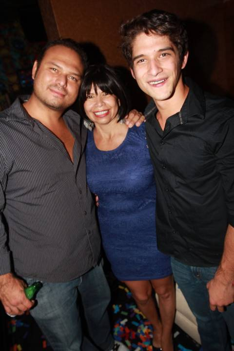 Actor Tyler Posey makes it a family affair for his 21st birthday. He celebrated with his mother and brother 10 27 12